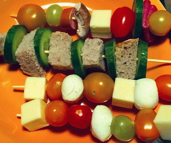 fingerfood spieße, Schulessen, Schulbrot, Käse Spieße, gesünder essen für kinder, schnelles essen für kinder, gesundes essen für kinder
