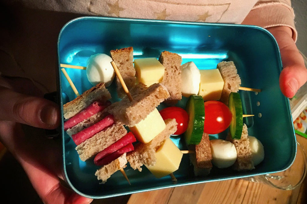 fingerfood spieße, Schulessen, Schulbrot, Käse Spieße